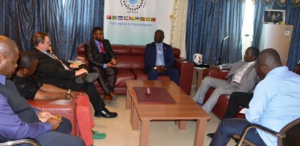 Encuentro en la Cámara de Comercio de Bioko
