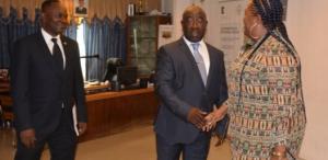 Audiencia en la Cámara de Comercio de Bioko, Malabo